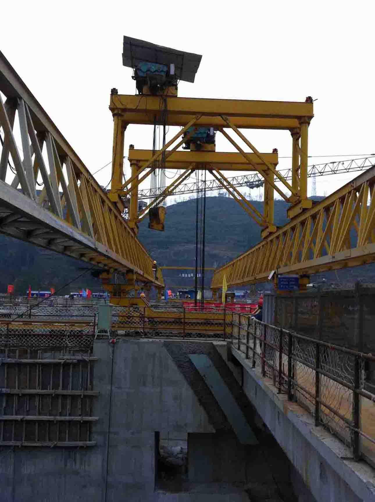 中国化电沙沱电站架桥机